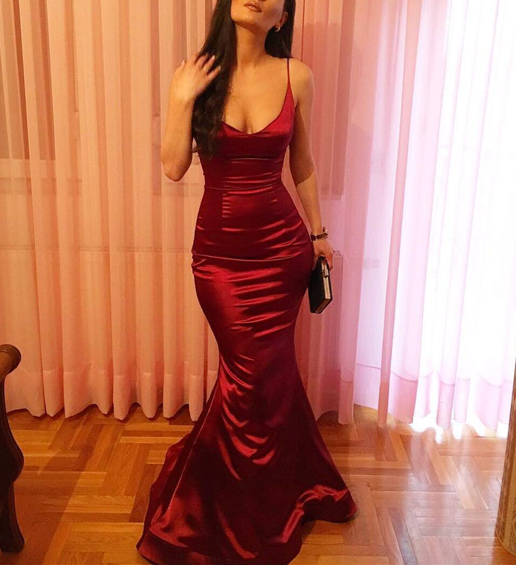 Y Dark Red Spaghetti Straps Satin Mermaid Evening Dresses Beautiful V Neckline Formal Gowns Prom