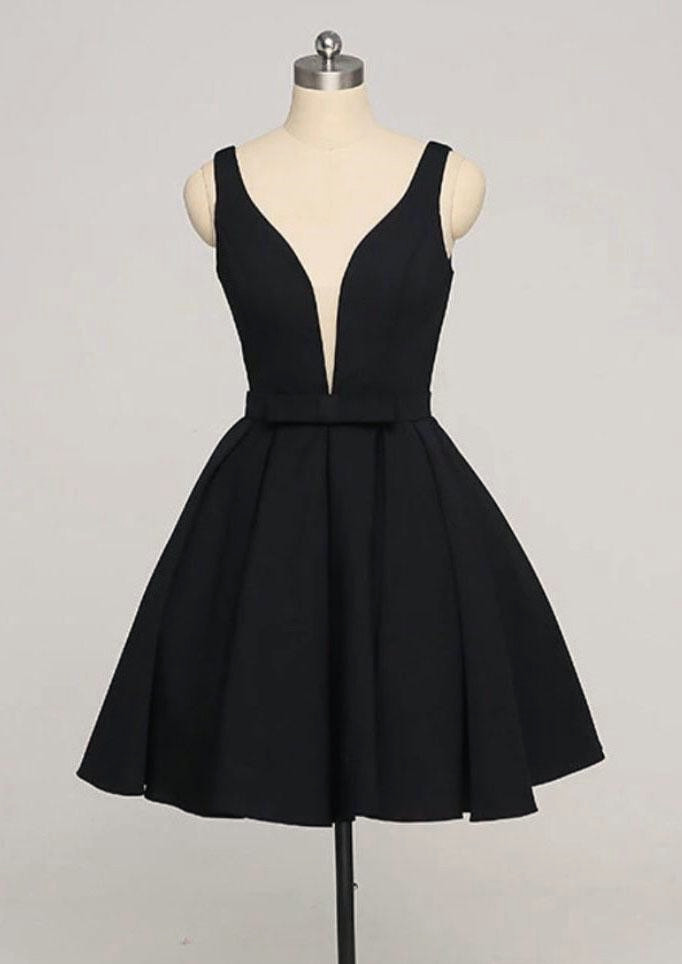 Black Short Simple Homecoming Dresses Knee Length Formal Dress