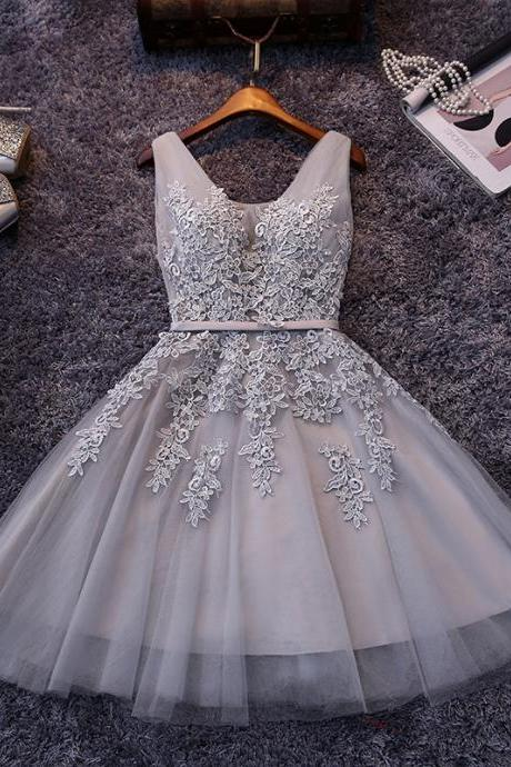 High Quality Tulle Light Grey Knee Length Party Dress with Plunging Neck BodiceLace Appliqués, Homecoming Dresses