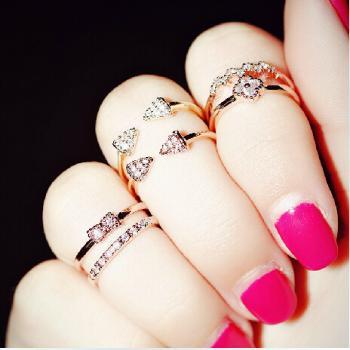 Pretty Knuckle Rings, Daisy Rings, Stretch Ring, Sliver Ring, cute ring, silver plating Ring